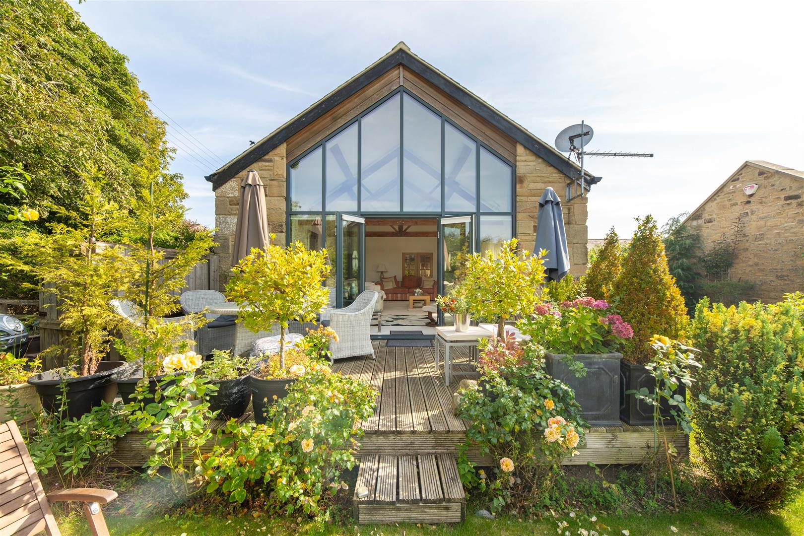 4 bed barn conversion for sale in Newcastle Upon Tyne, NE13 7BR  - Property Image 1