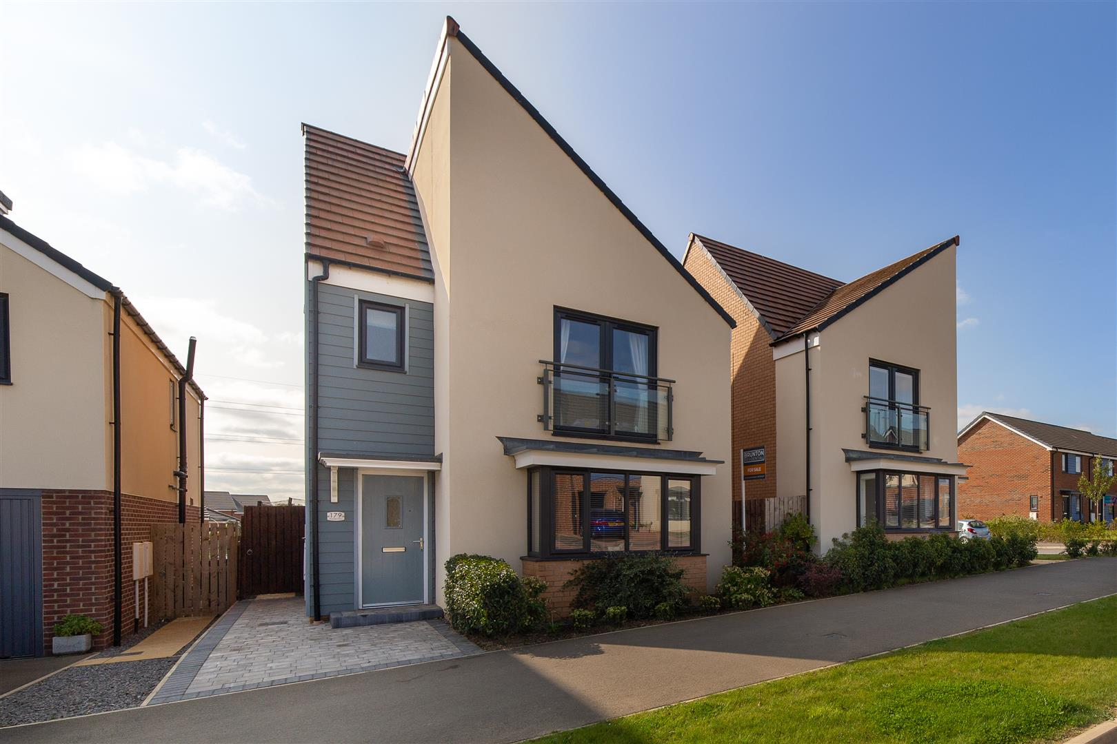 4 bed detached house for sale in Newcastle Upon Tyne, NE13 9DS - Property Image 1