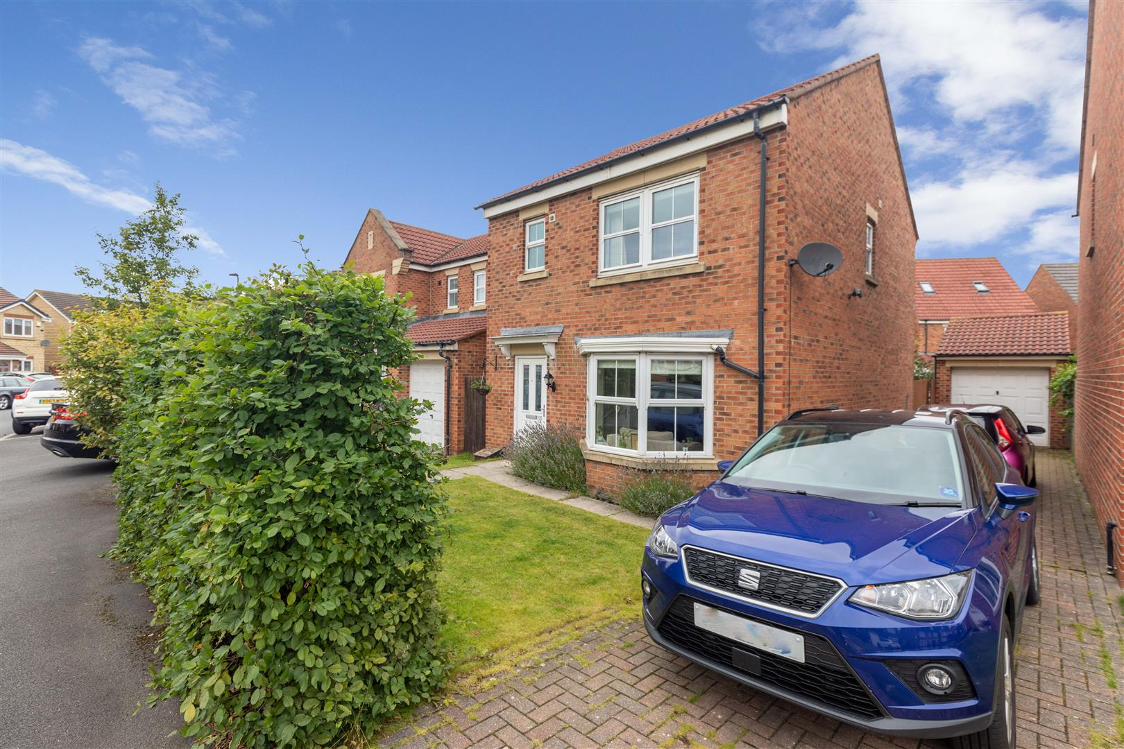 3 bed detached house for sale in Meadow Vale, Northumberland Park - Property Image 1