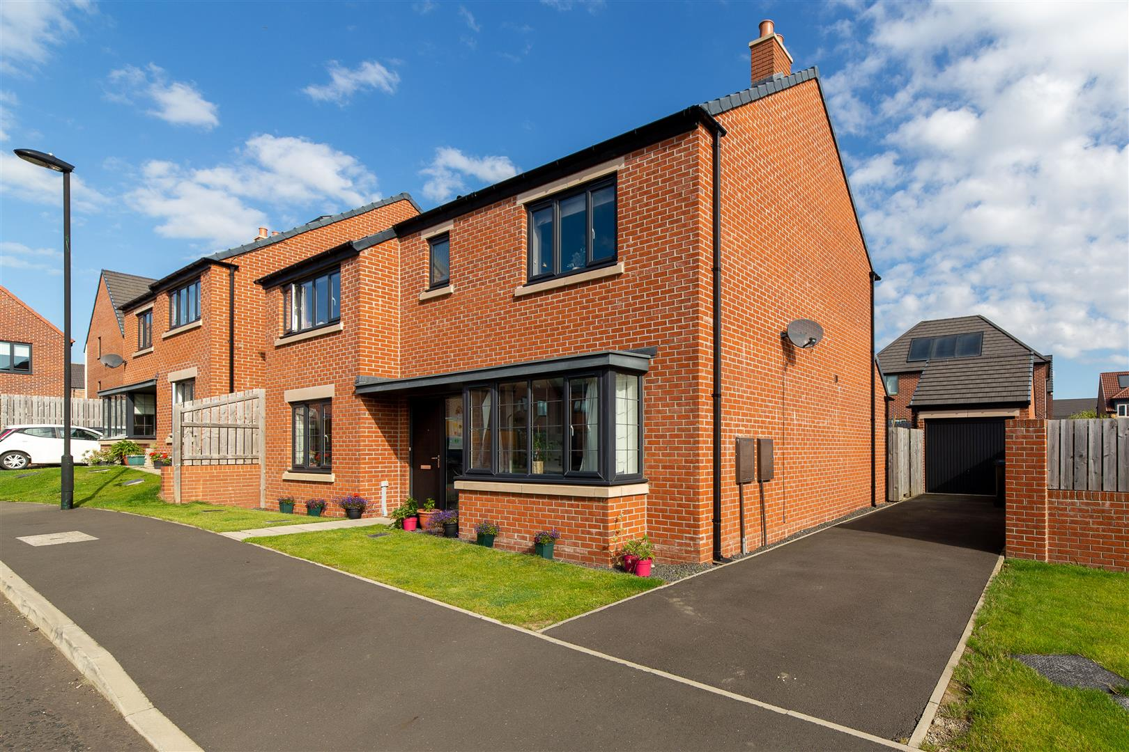 4 bed detached house for sale in Newcastle Upon Tyne, NE13 6NN  - Property Image 1