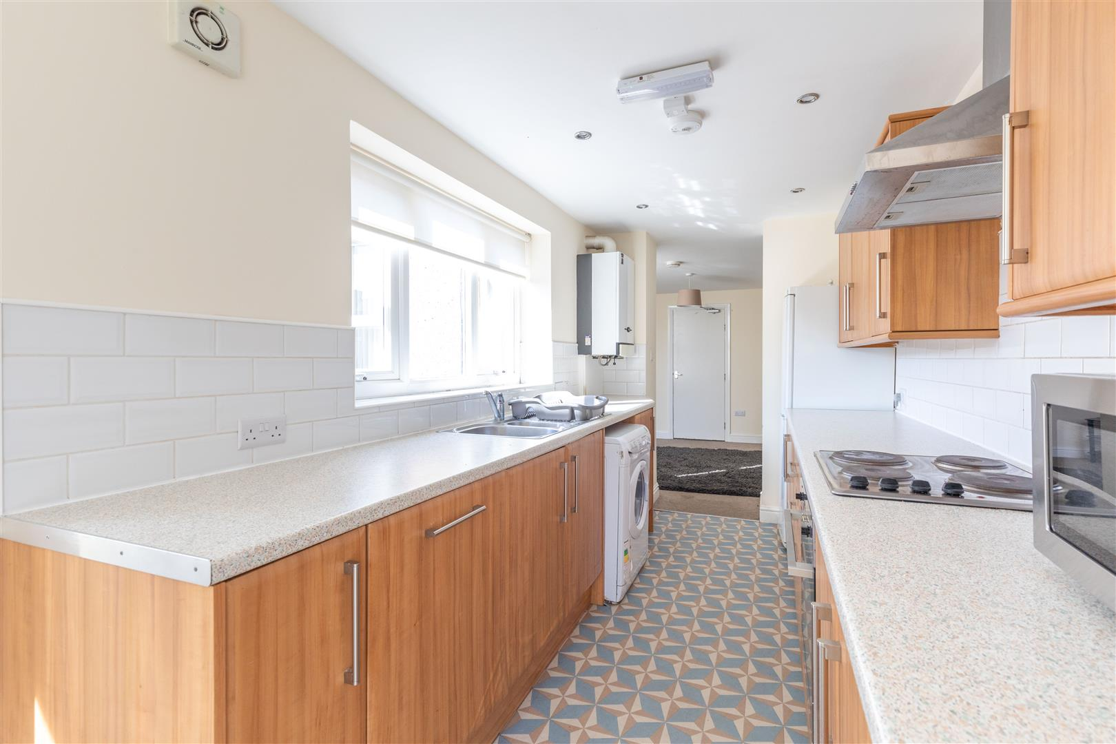 4 bed to rent in Newcastle Upon Tyne, NE6 5AR - Property Image 1