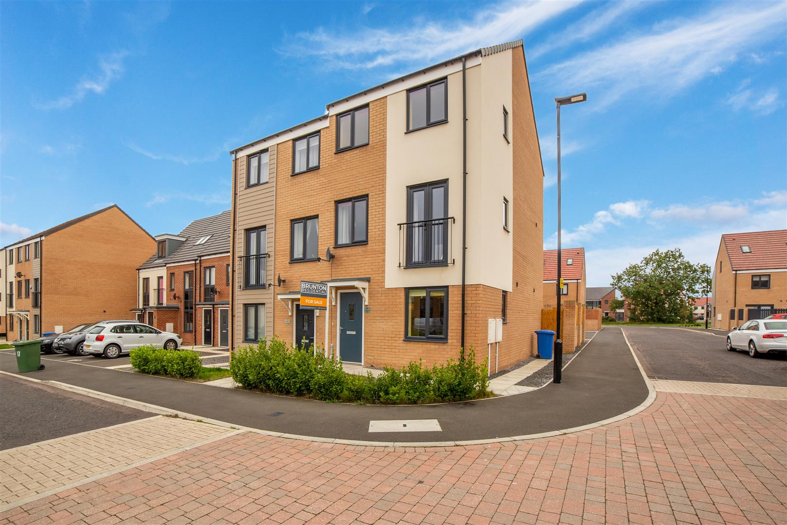 3 bed town house for sale in Elmwood Park Gardens, Newcastle Upon Tyne - Property Image 1