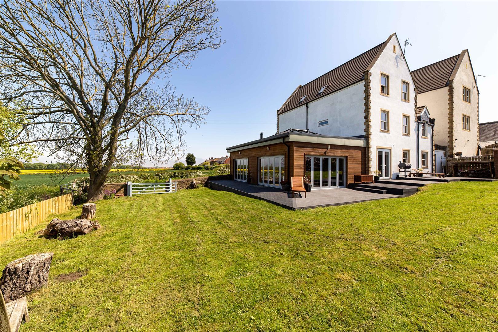 6 bed detached house for sale, Bedlington, NE22