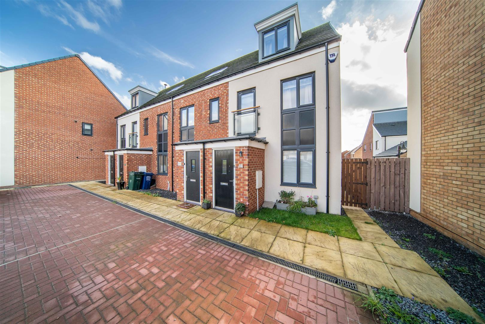 3 bed town house for sale in Great Park, NE13 9BD - Property Image 1
