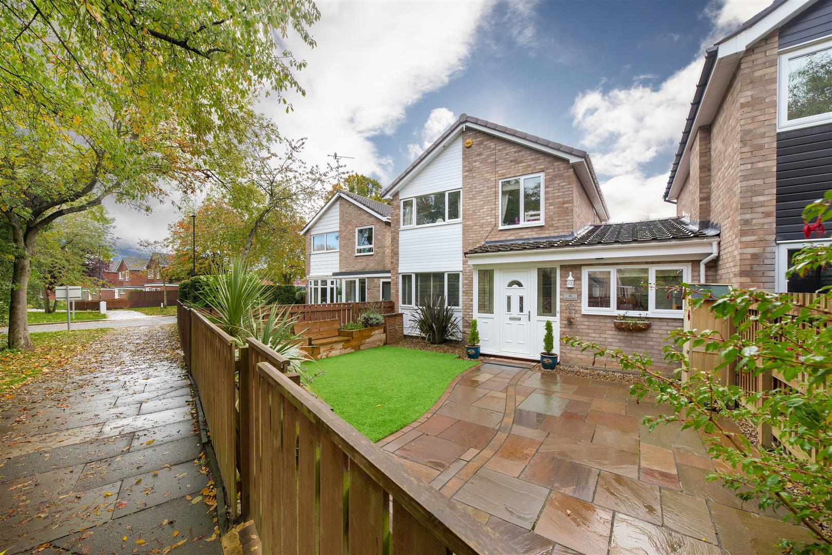 3 bed detached house for sale in Newcastle Upon Tyne, NE3 2XA  - Property Image 1