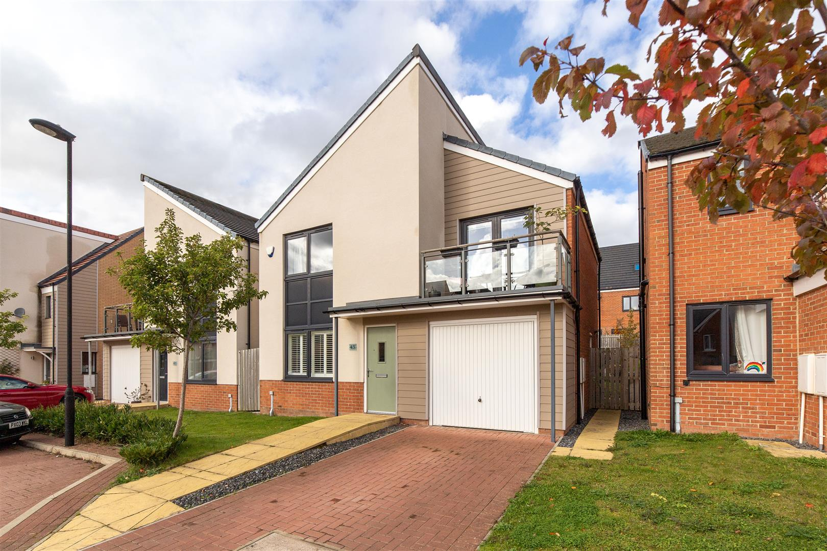 4 bed detached house for sale in Great Park, NE13 9DB - Property Image 1