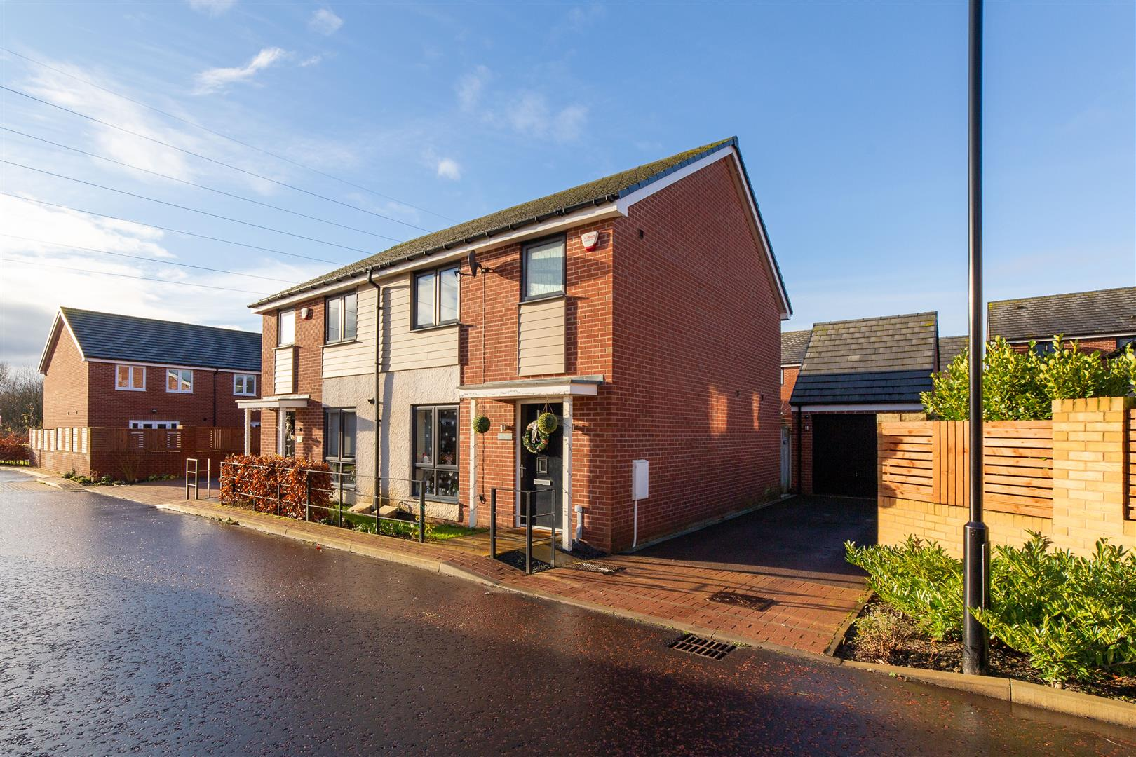 3 bed semi-detached house to rent in Newcastle Upon Tyne, NE13 9DE, NE13