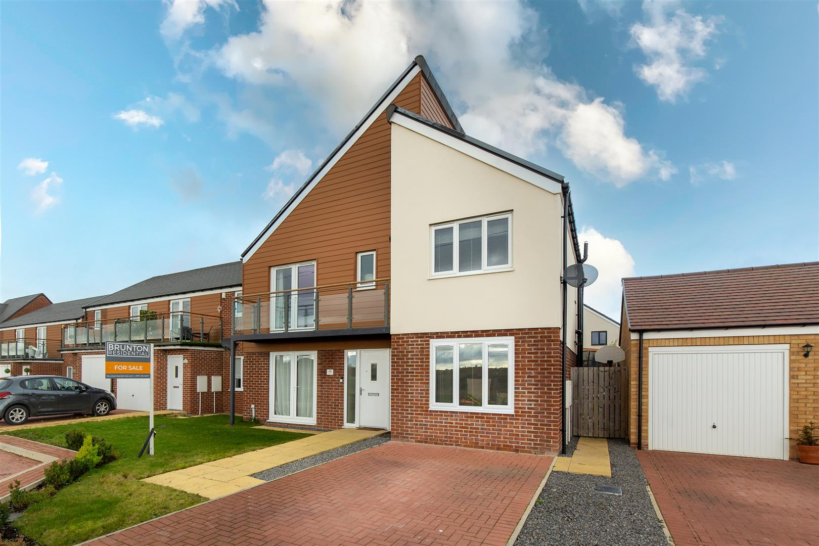 5 bed detached house for sale in Newcastle Upon Tyne, NE13 9DD - Property Image 1