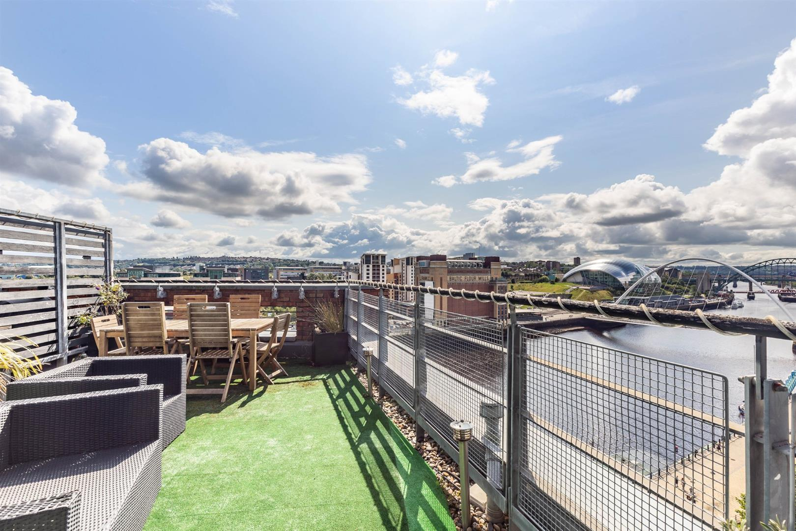 2 bed penthouse for sale in Newcastle Upon Tyne, NE1 3BB  - Property Image 3