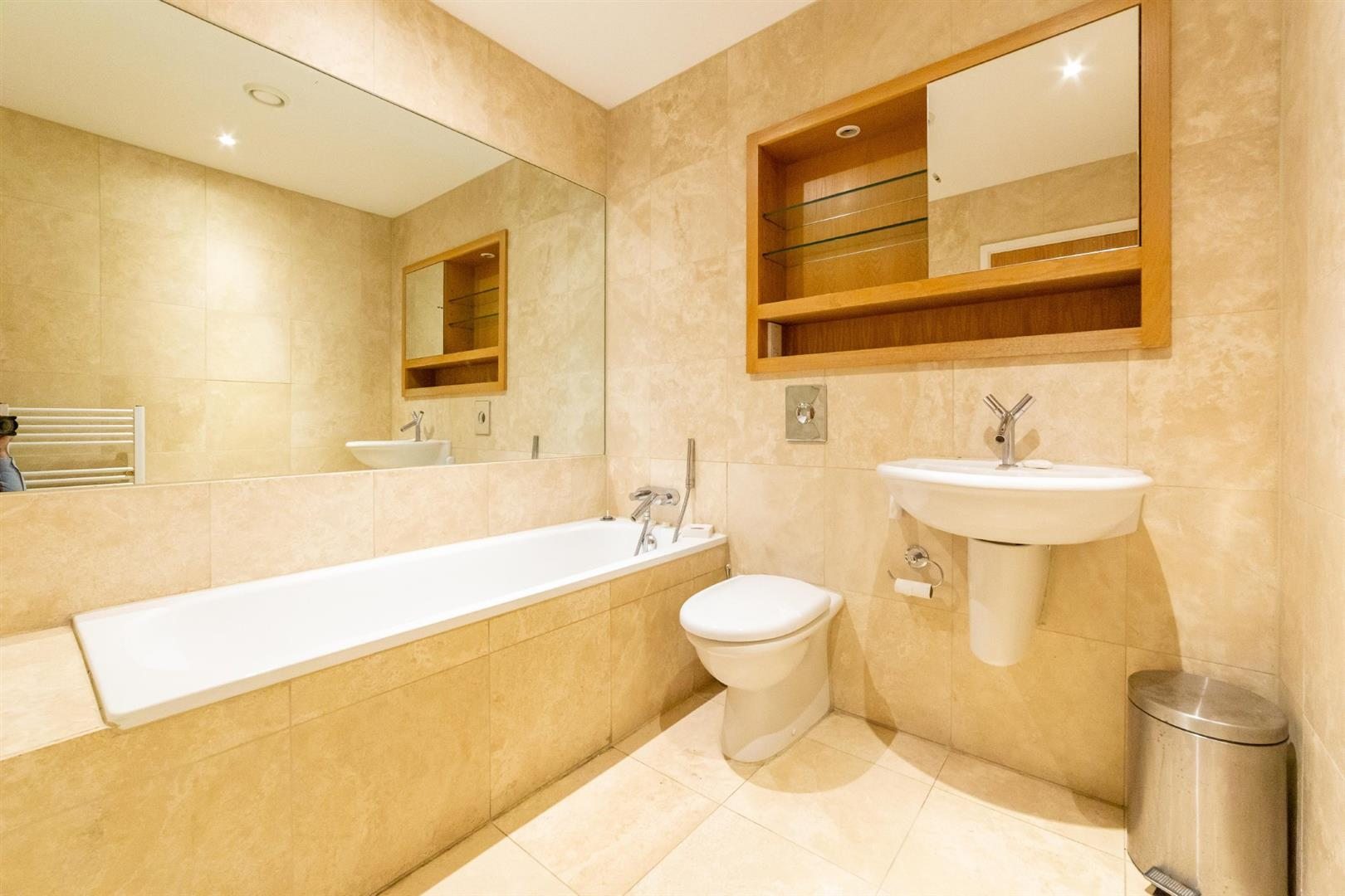 2 bed penthouse for sale in Newcastle Upon Tyne, NE1 3BB 16