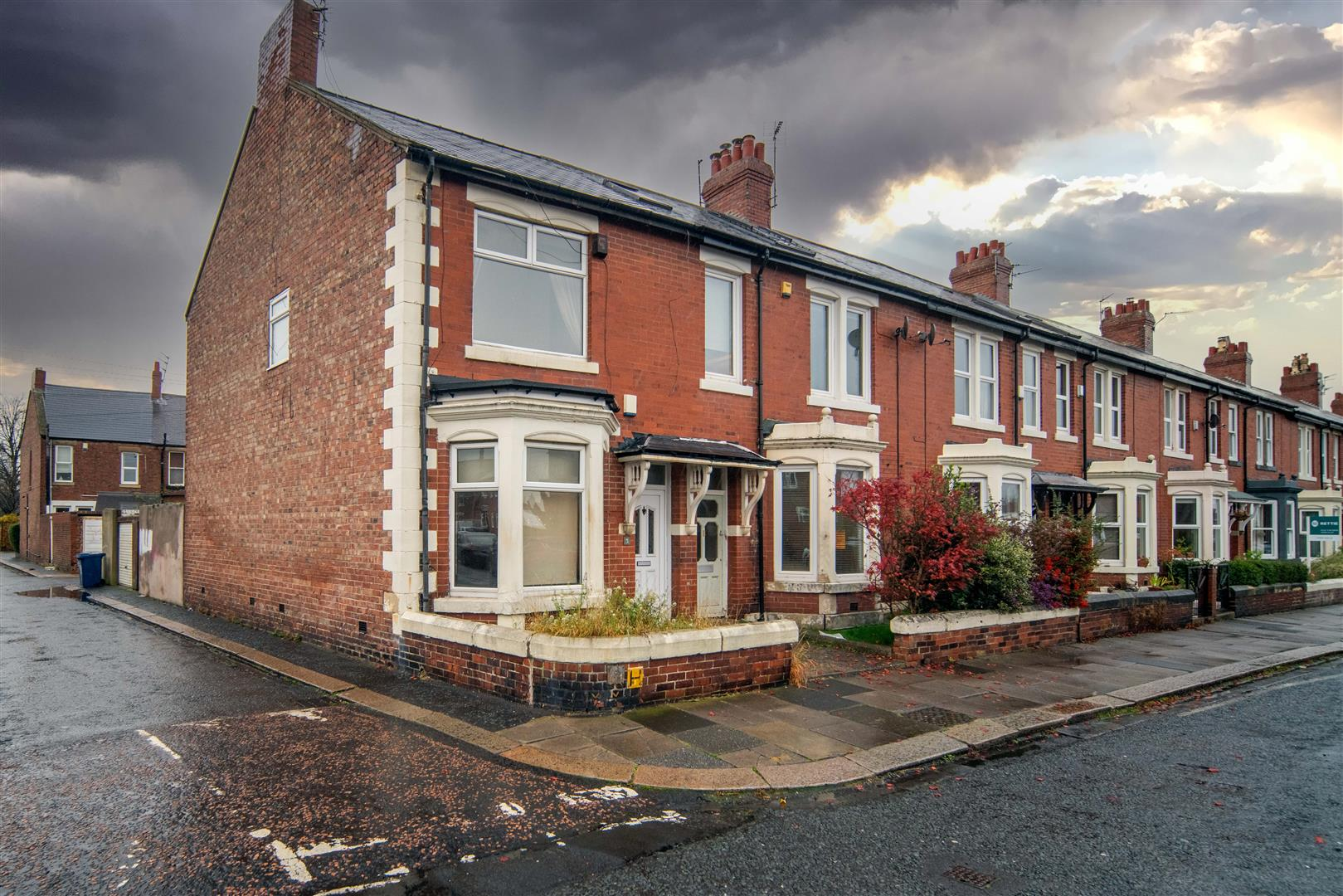 4 bed end of terrace house for sale in Heaton, NE6 5SY 0