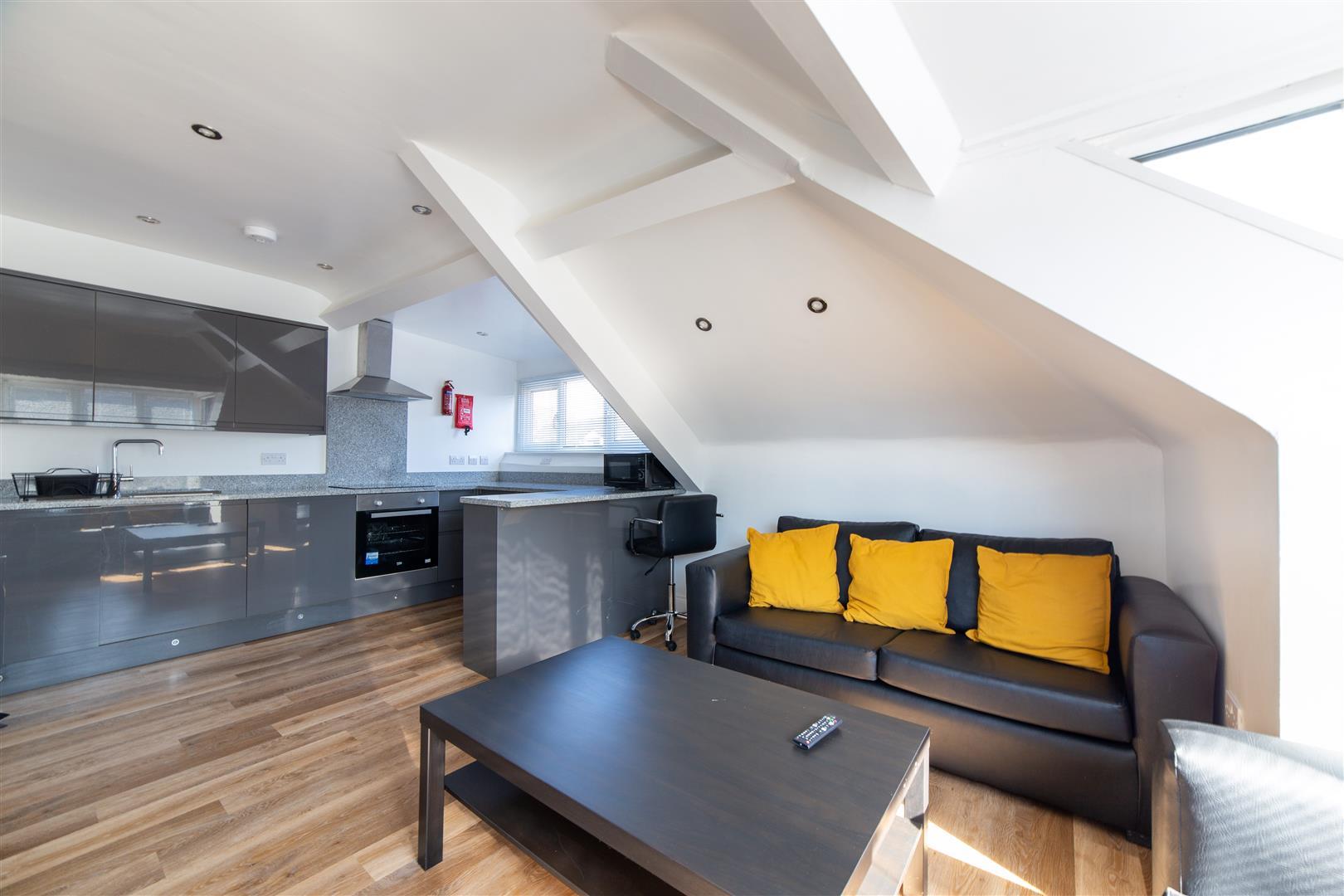 4 bed apartment to rent in Newcastle Upon Tyne, NE2 2PR, NE2