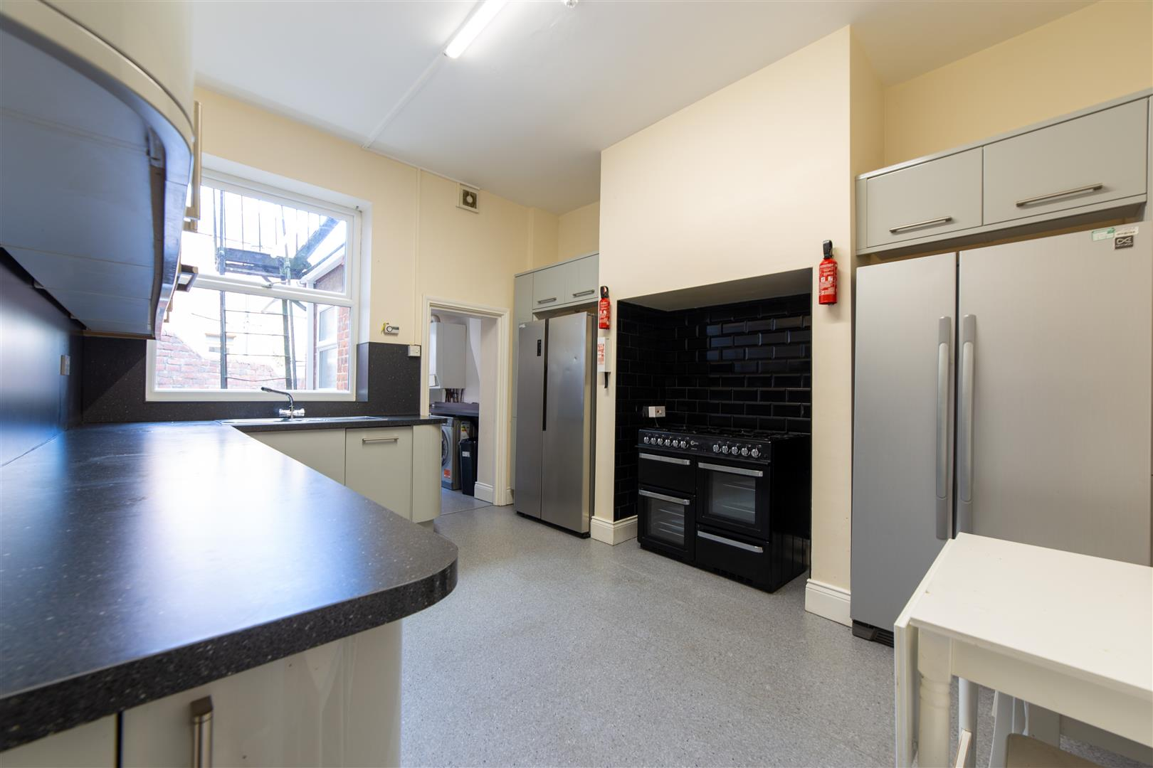 8 bed terraced house to rent in Newcastle Upon Tyne, NE2 1JS 1