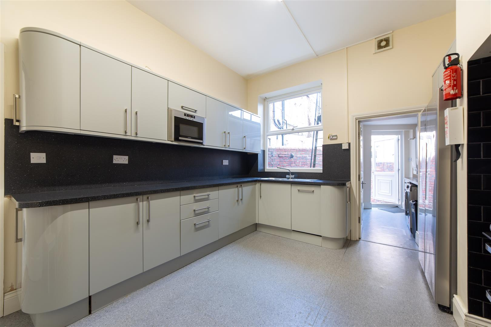 8 bed terraced house to rent in Newcastle Upon Tyne, NE2 1JS  - Property Image 1