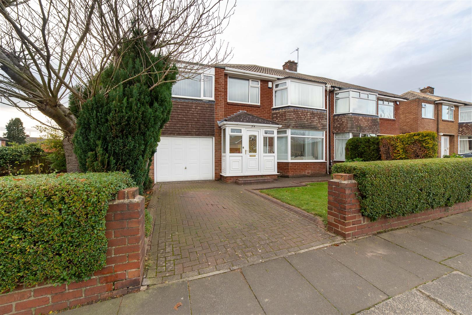 5 bed semi-detached house for sale in Newcastle Upon Tyne, NE3 4RY - Property Image 1