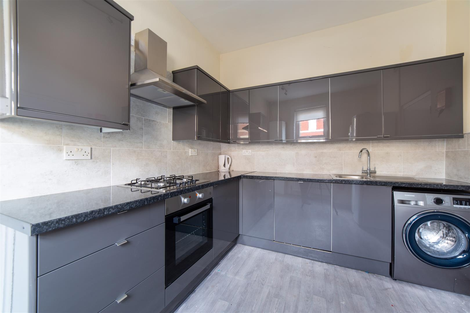 6 bed end of terrace house to rent in Newcastle Upon Tyne, NE2 1NQ, NE2