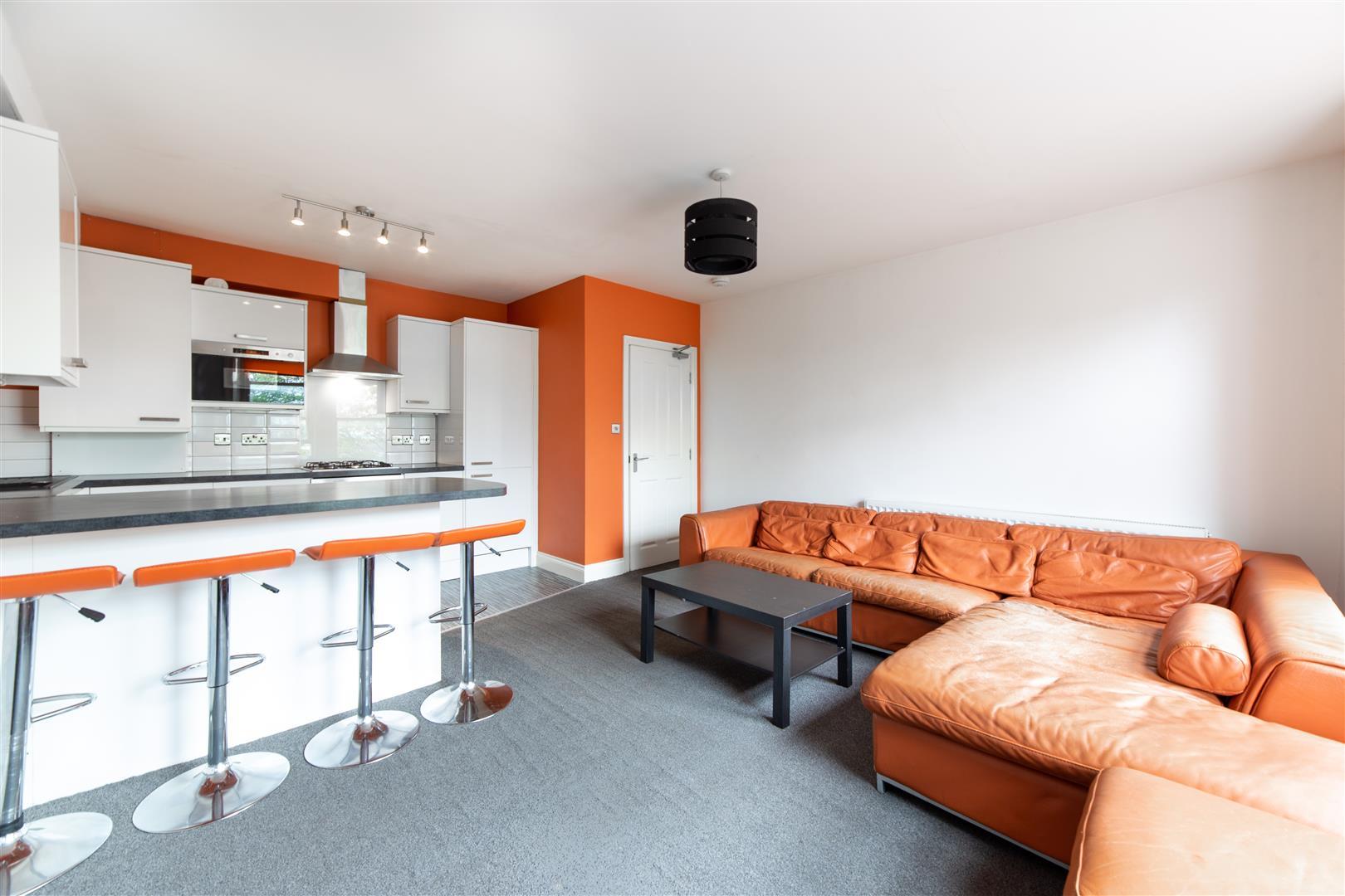4 bed apartment to rent in Jesmond Road, Jesmond, NE2