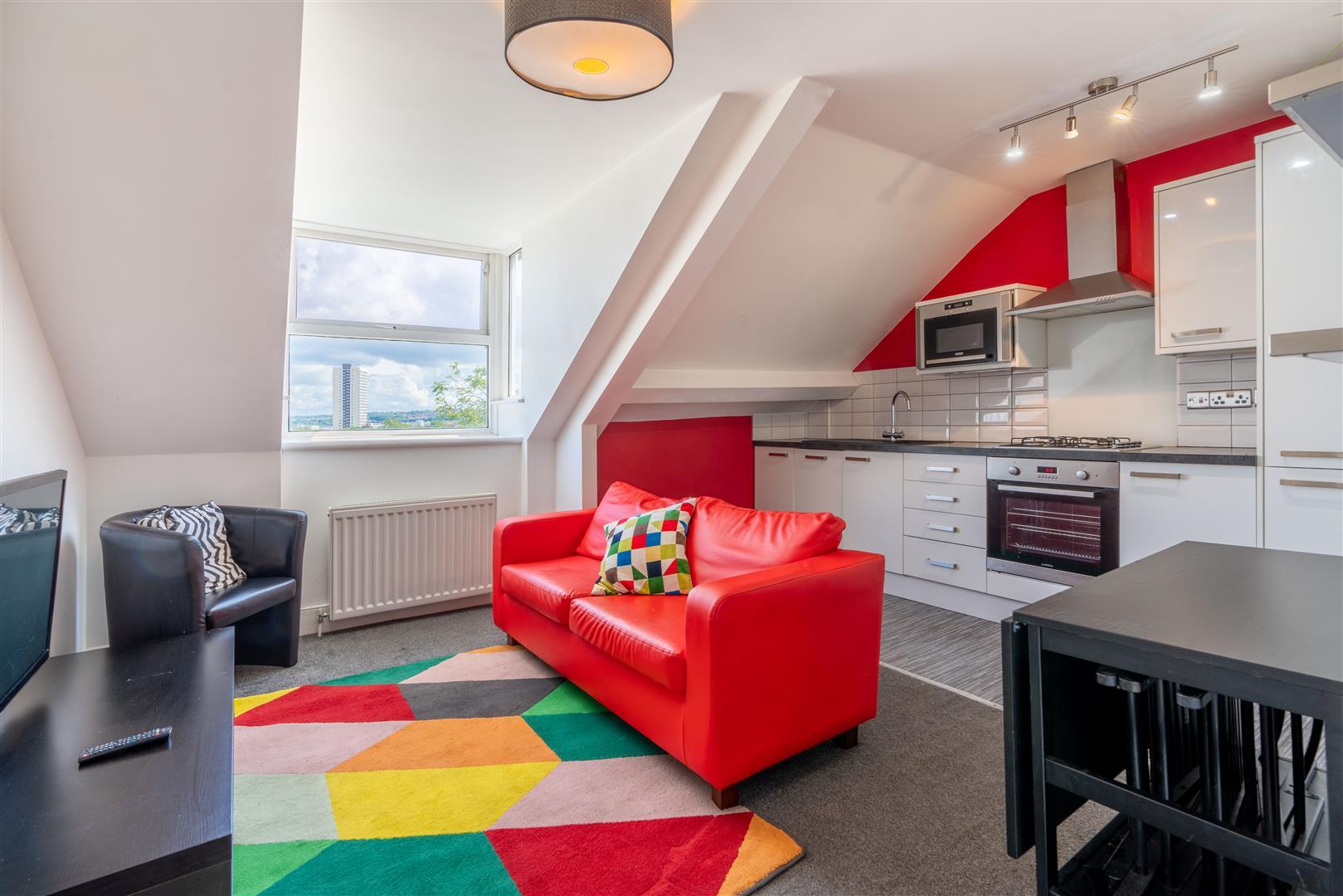 3 bed apartment to rent in 87 Jesmond Road, Jesmond, NE2