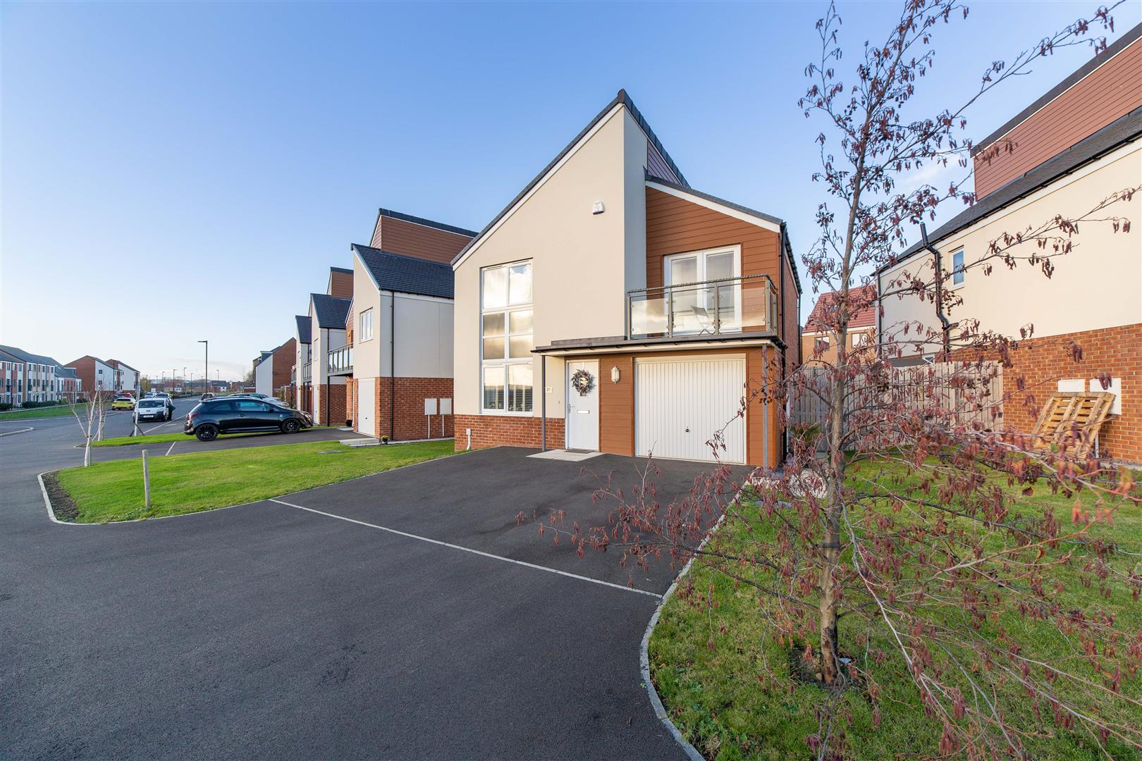 4 bed detached house for sale in Newcastle Upon Tyne, NE13 9DR - Property Image 1