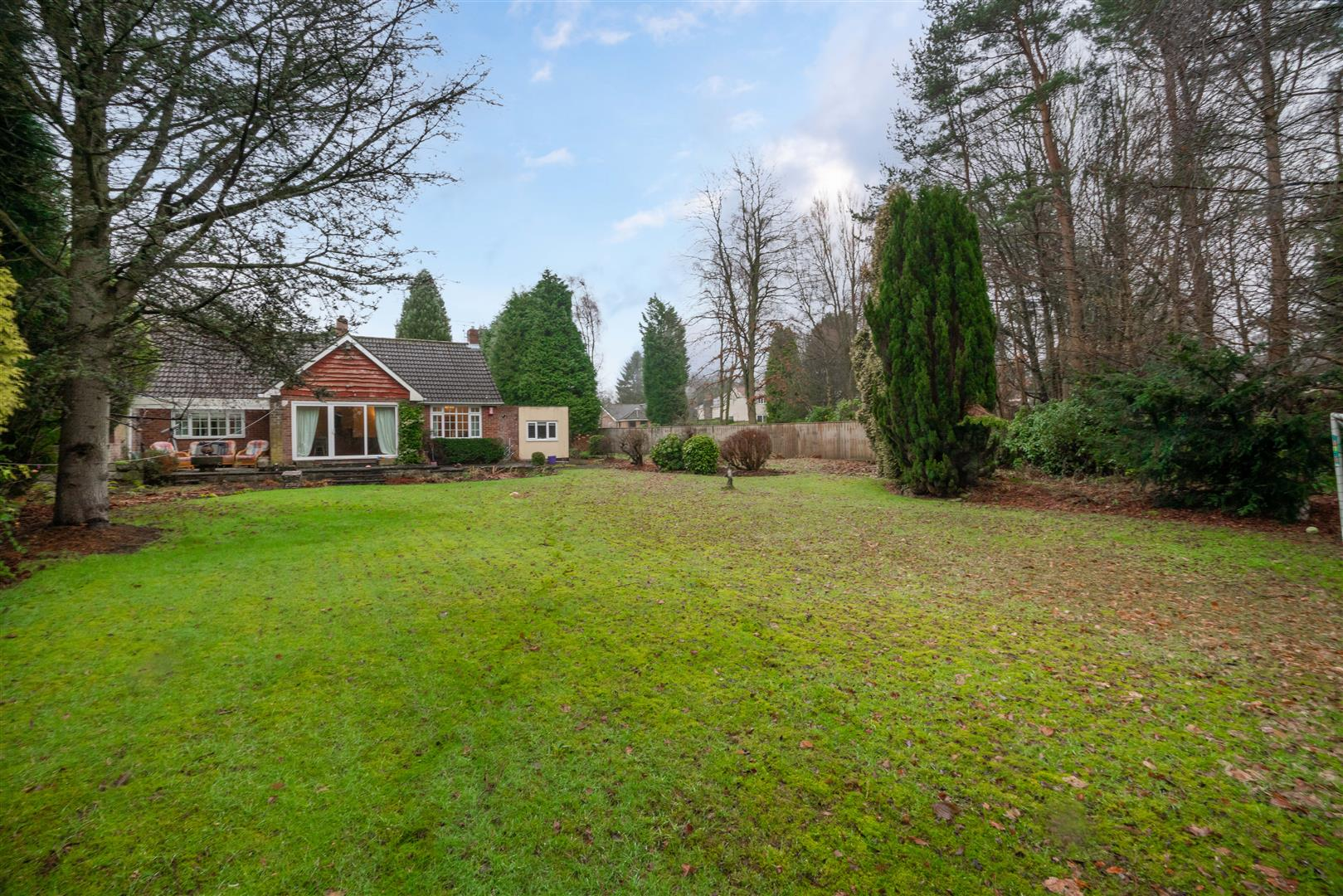 4 bed detached bungalow for sale in Newcastle Upon Tyne, NE20 9LQ - Property Image 1