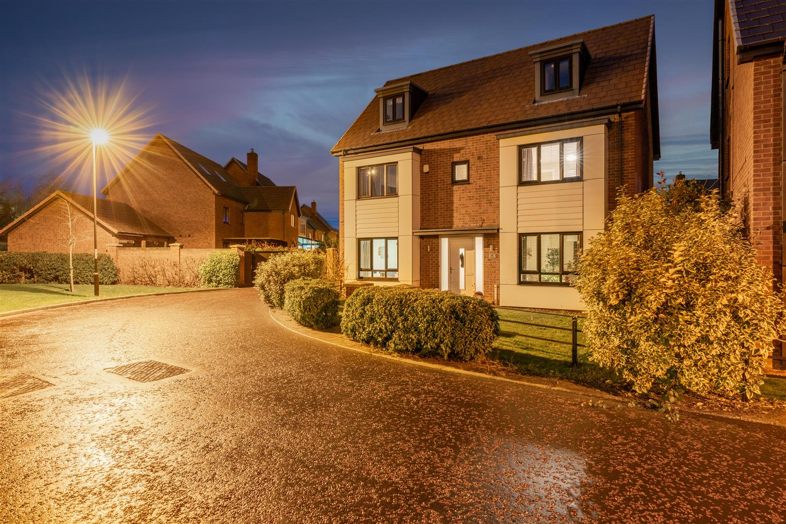 5 bed detached house for sale in Newcastle Upon Tyne, NE13 9AY - Property Image 1