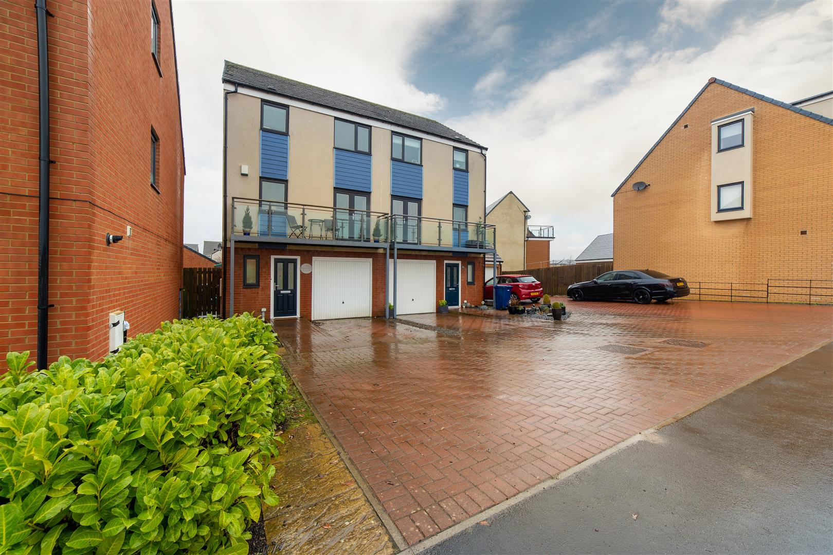 4 bed semi-detached house for sale in Great Park, NE13 9BX, NE13