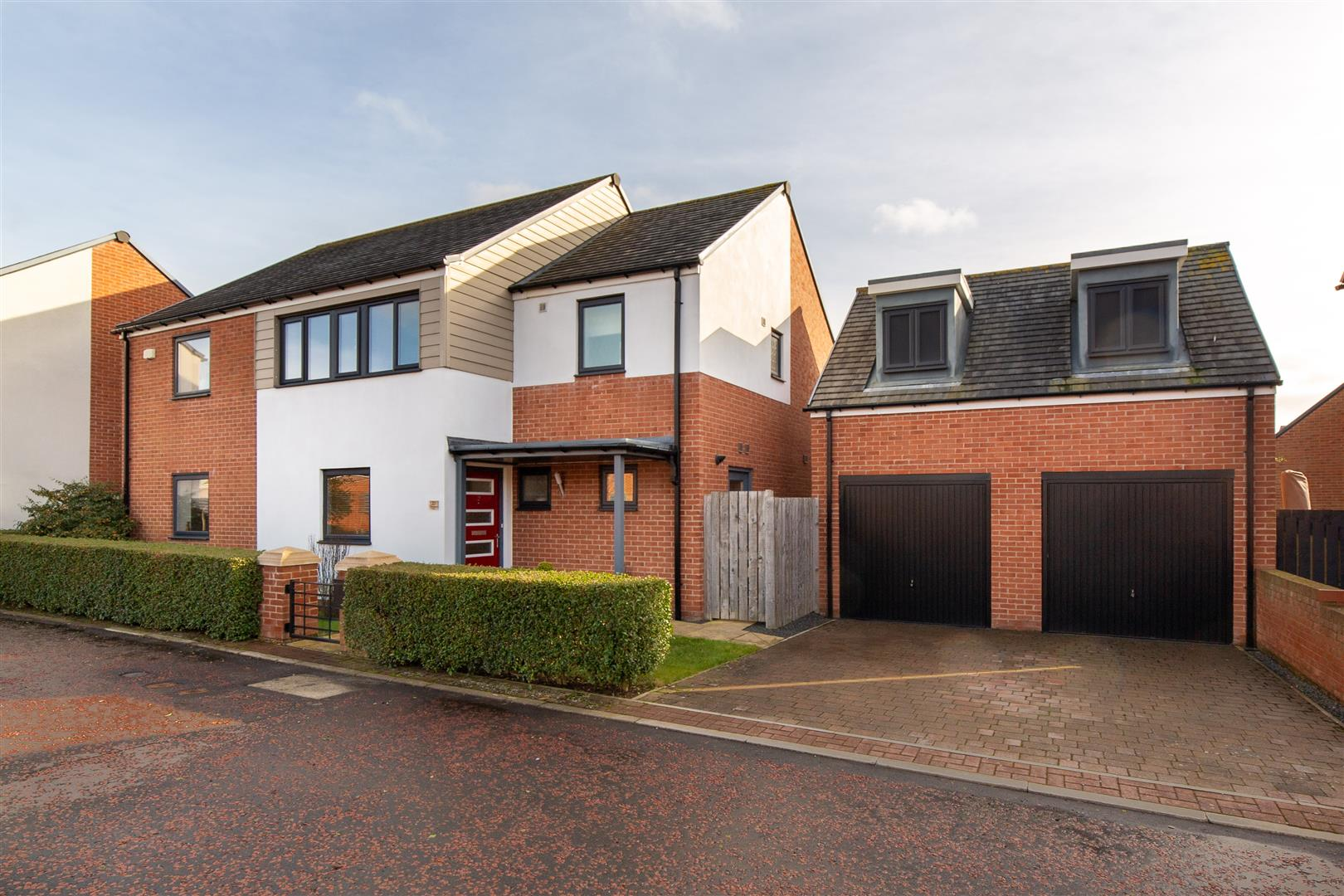 4 bed detached house for sale in Newcastle Upon Tyne, NE13 9AS  - Property Image 1