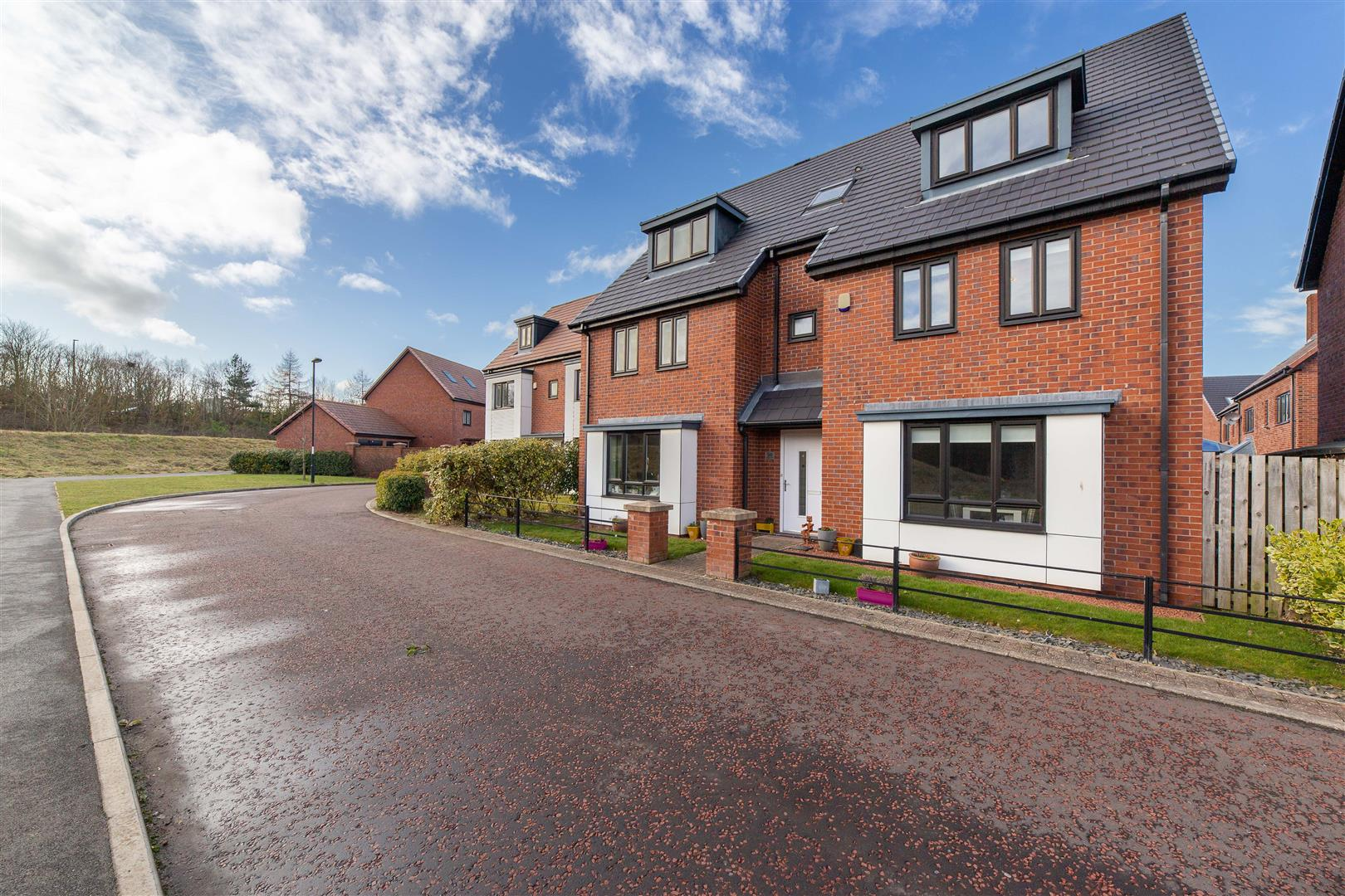 6 bed detached house for sale in Newcastle Upon Tyne, NE13 9AY  - Property Image 1