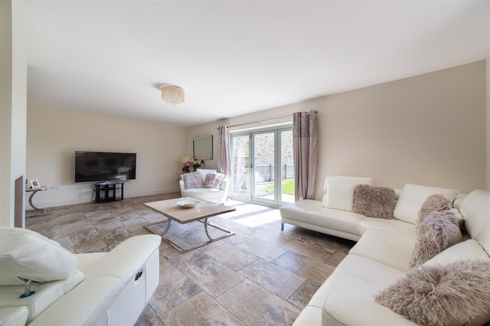 4 bed detached house for sale, Hexham 3
