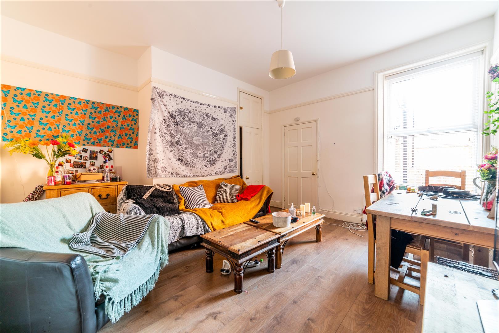 2 bed flat to rent in Bayswater Road, Jesmond, NE2
