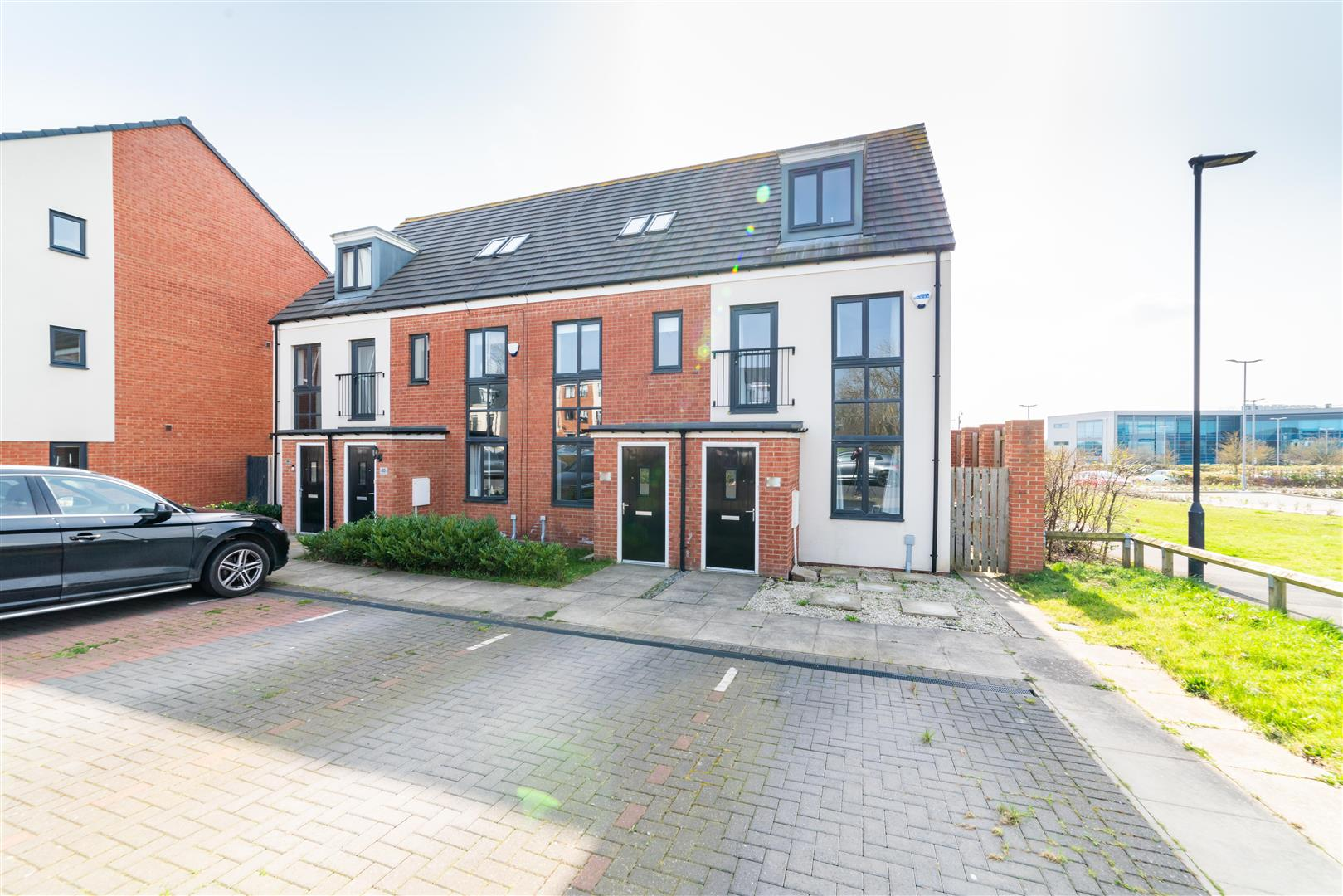 3 bed terraced house for sale in Elmwood Park Court, Great Park - Property Image 1
