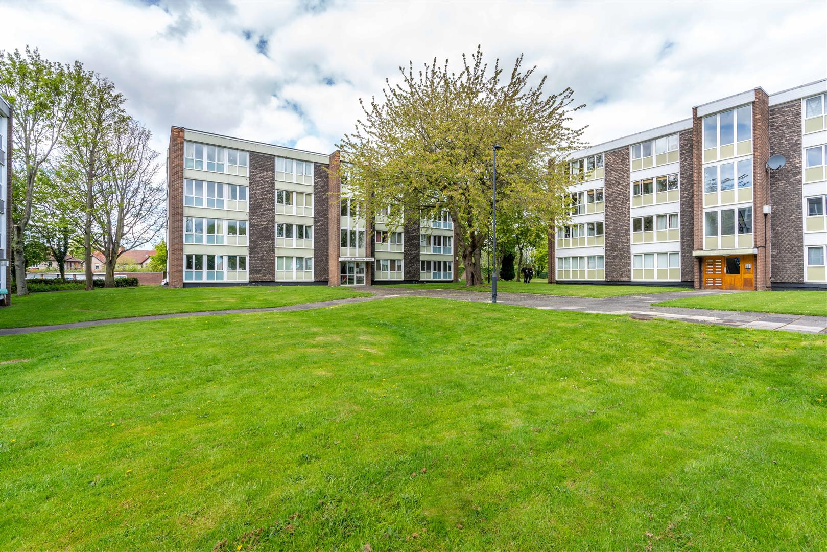 2 bed flat for sale in Monkridge Court, South Gosforth, NE3