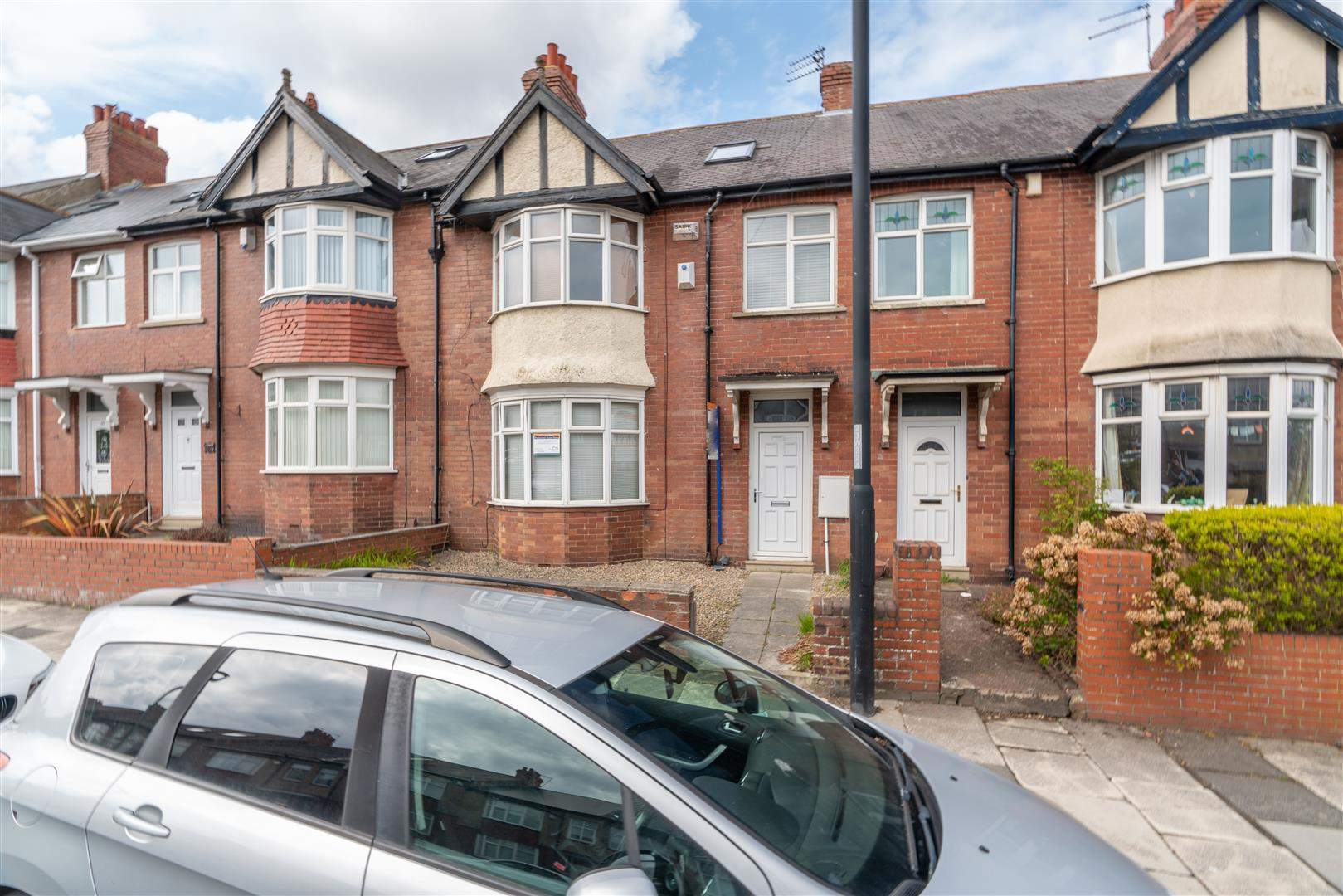 5 bed terraced house to rent in Wingrove Road, Fenham, NE4
