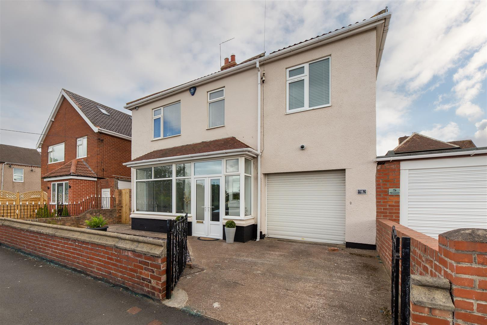 4 bed detached house for sale in Western Avenue, Whitley Bay, NE25