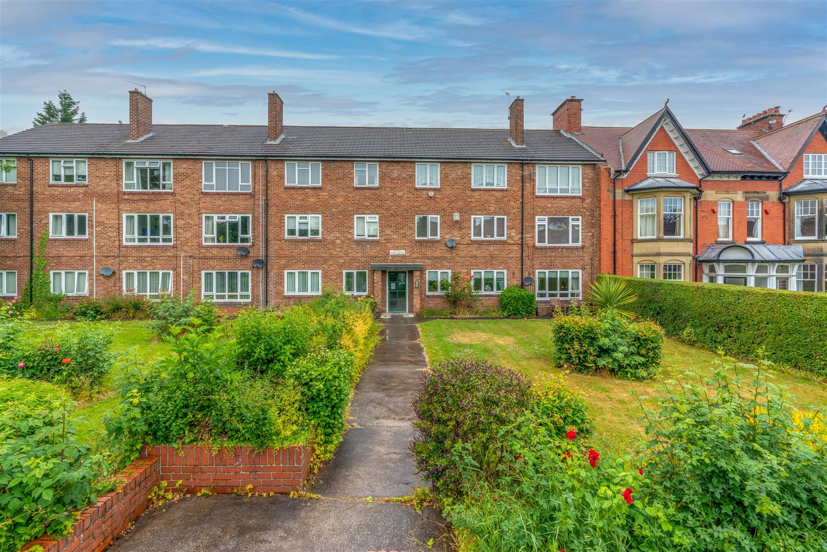 2 bed flat for sale in The Drive, Gosforth, NE3