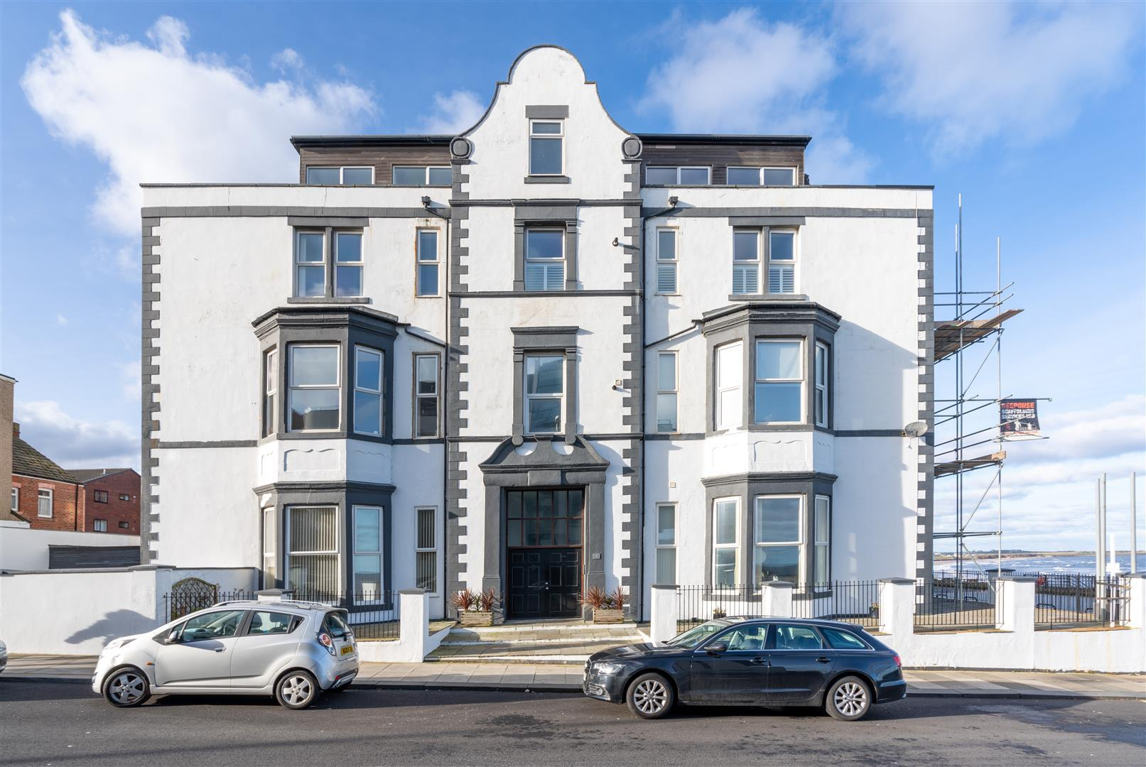 2 bed apartment to rent in Montague Apartments, Whitley Bay, NE26