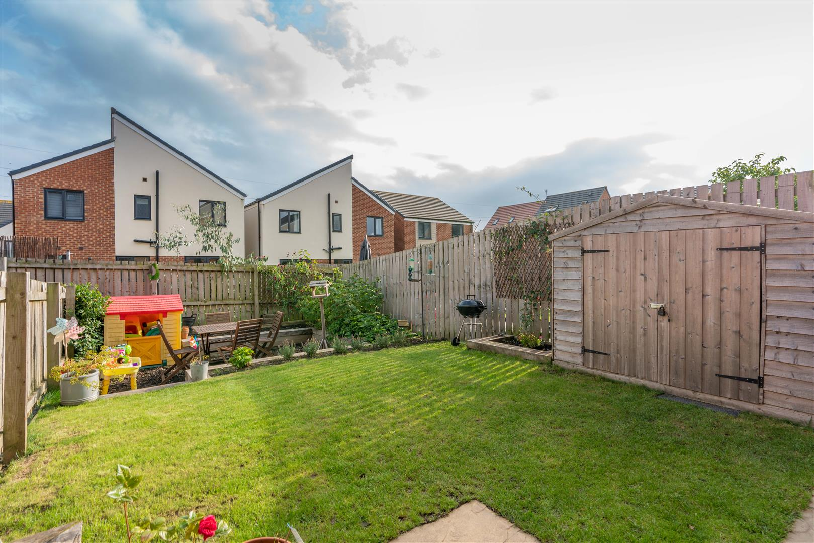 3 bed town house for sale in Greville Gardens, Newcastle Upon Tyne 4
