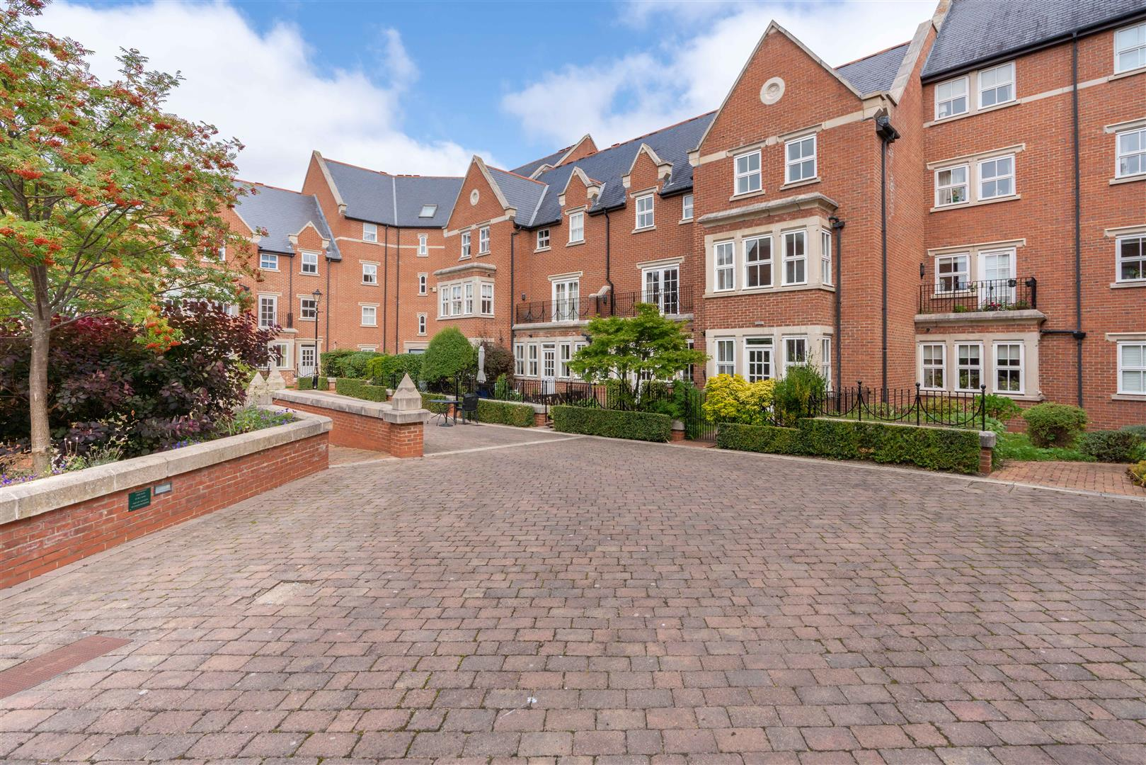 4 bed town house for sale in Princess Mary Court, Jesmond, NE2