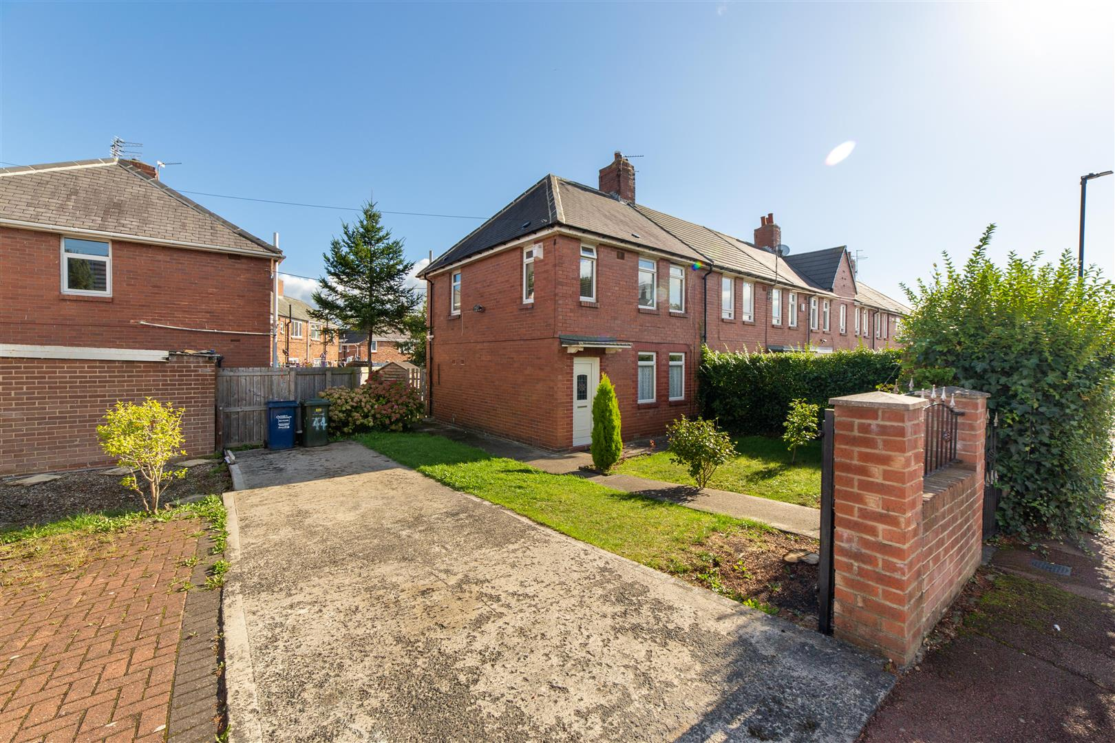 3 bed end of terrace house to rent in Acton Place, High Heaton  - Property Image 1