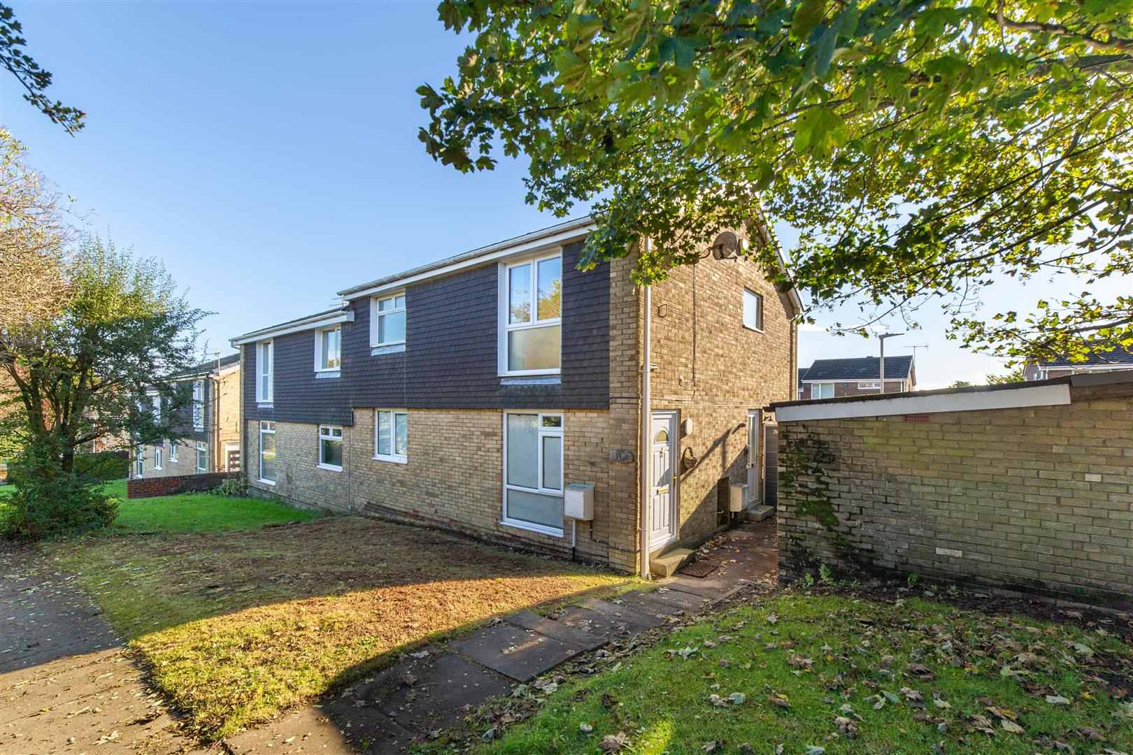 2 bed flat to rent in Dunnock Drive, Sunniside, NE16