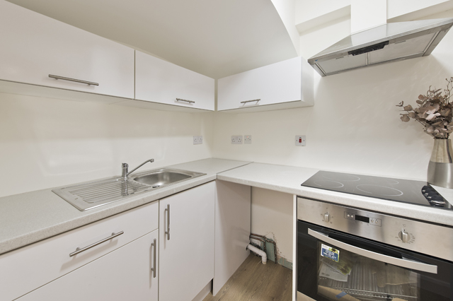 1 bed house share to rent in Charleville road, West Kensington, London 3