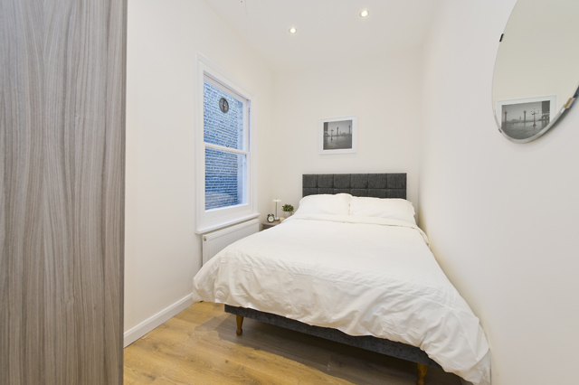 1 bed house share to rent in Charleville road, West Kensington, London 7