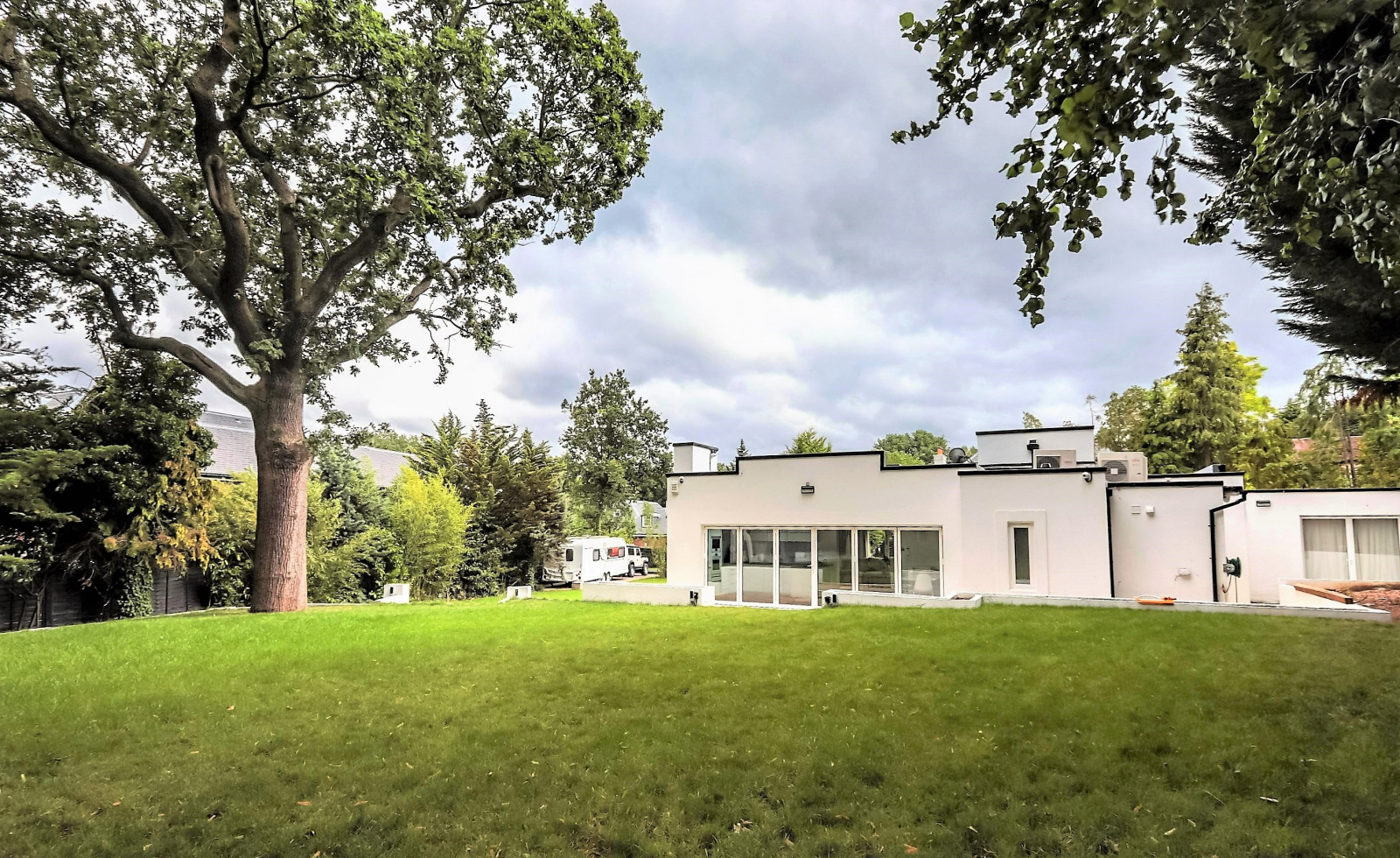 3 bed bungalow for sale in Oakley House, Coombe Park, Kingston, London, Kt2