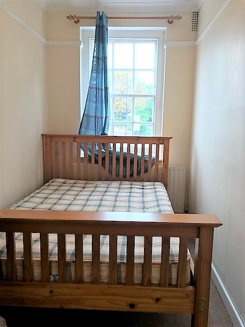 3 bed flat for sale in Central Parade Gunnersbury Avenue, Acton, London 2