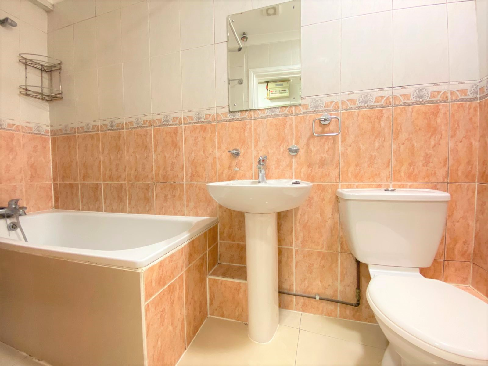 3 bed flat to rent in North End Road, West Kensington, London 5