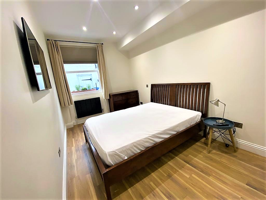 1 bed flat share to rent in Holland Road, Kensington, London, w14