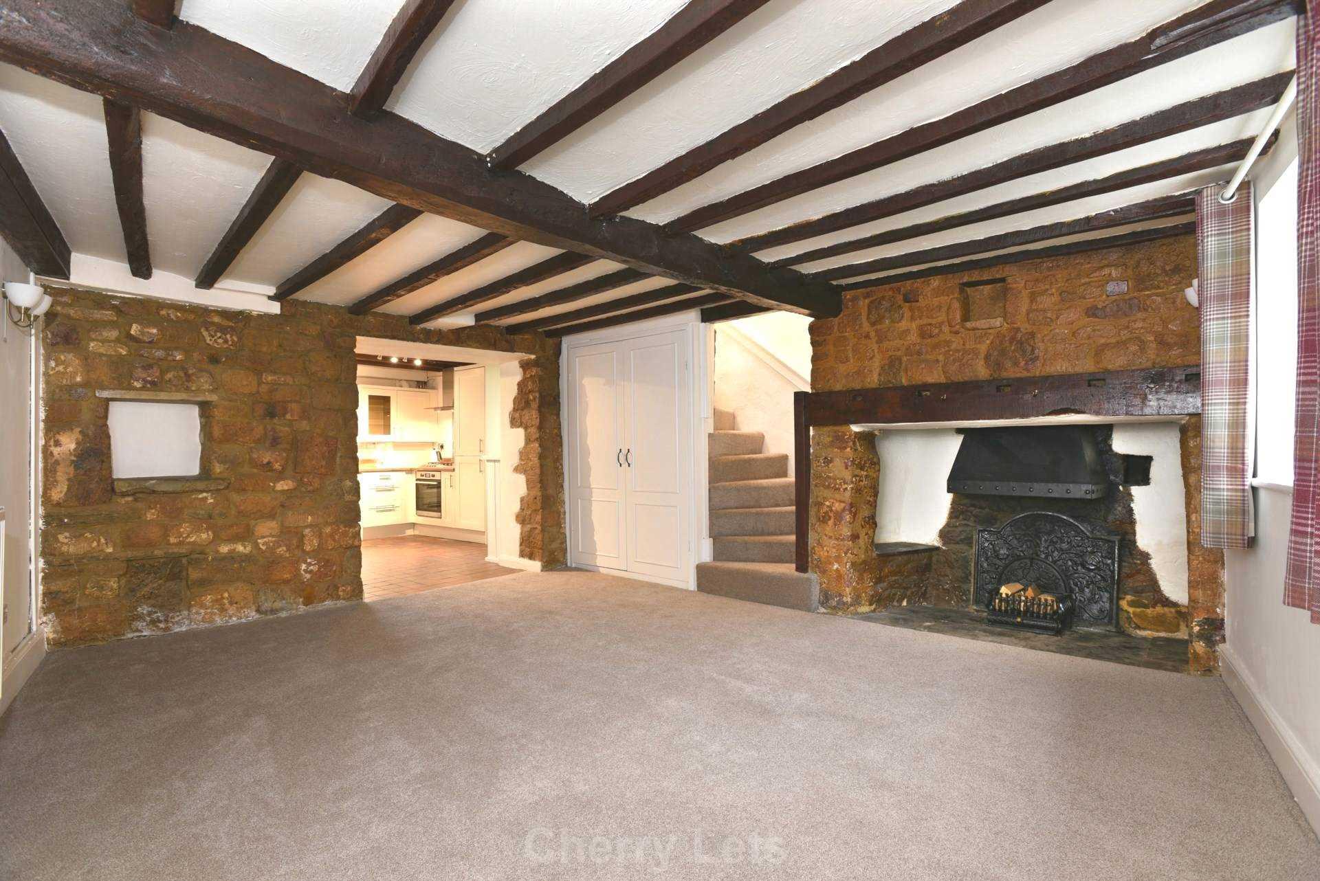 2 bed cottage to rent in Thimble Cottage, Market Place, Deddington, Banbury  - Property Image 1