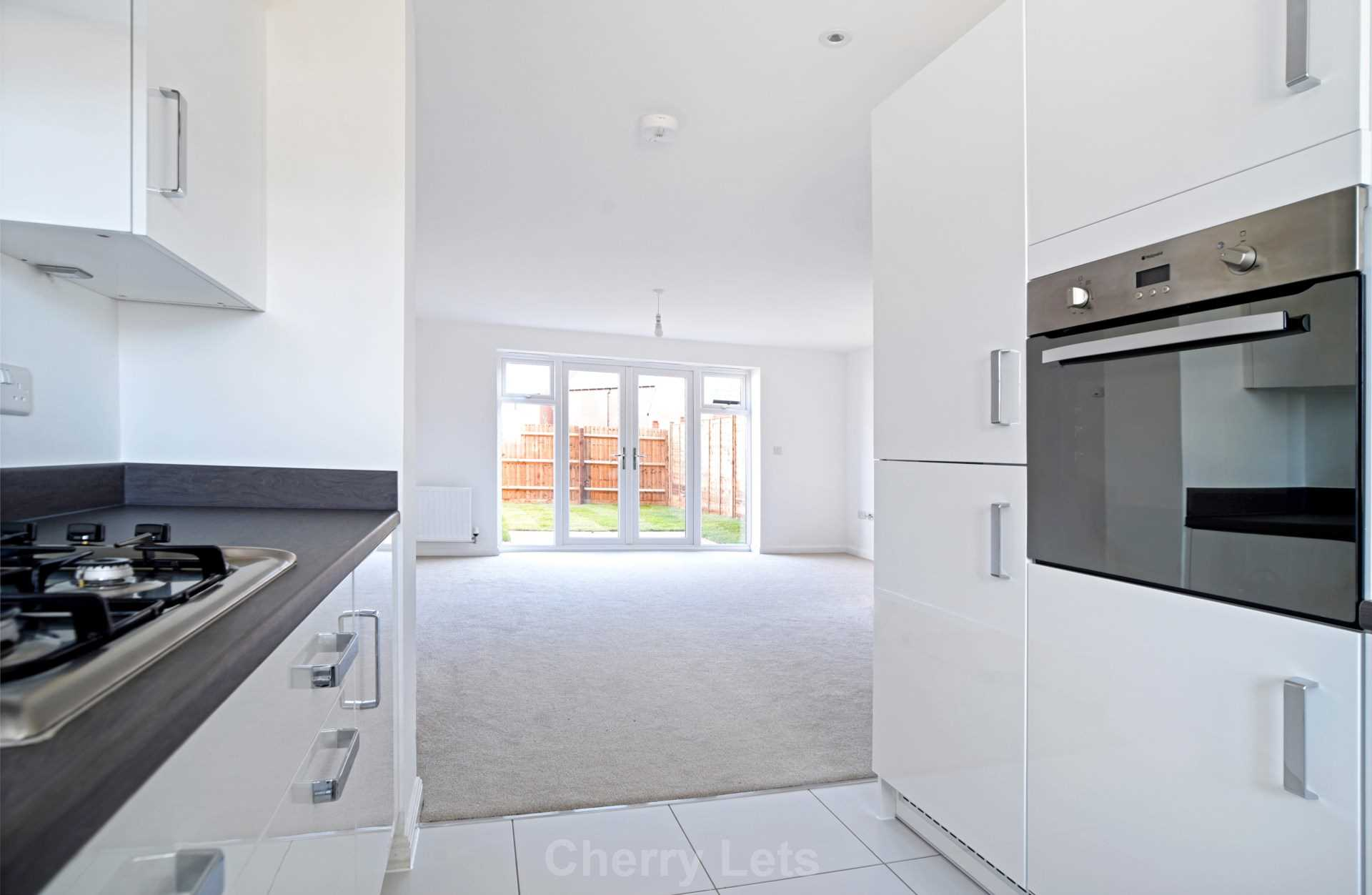 3 bed semi-detached house to rent in Songthrush Road, Longford Park, Banbury 1