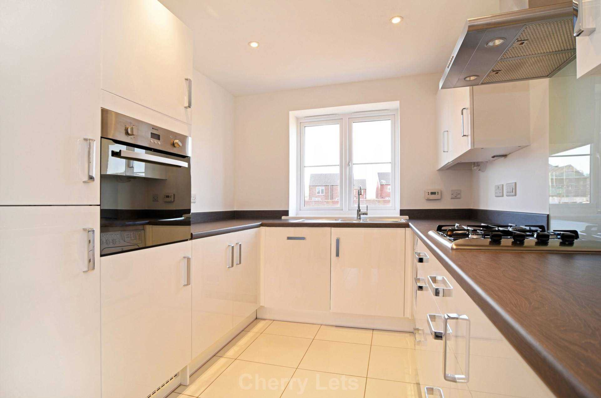 3 bed semi-detached house to rent in Songthrush Road, Longford Park, Banbury 3