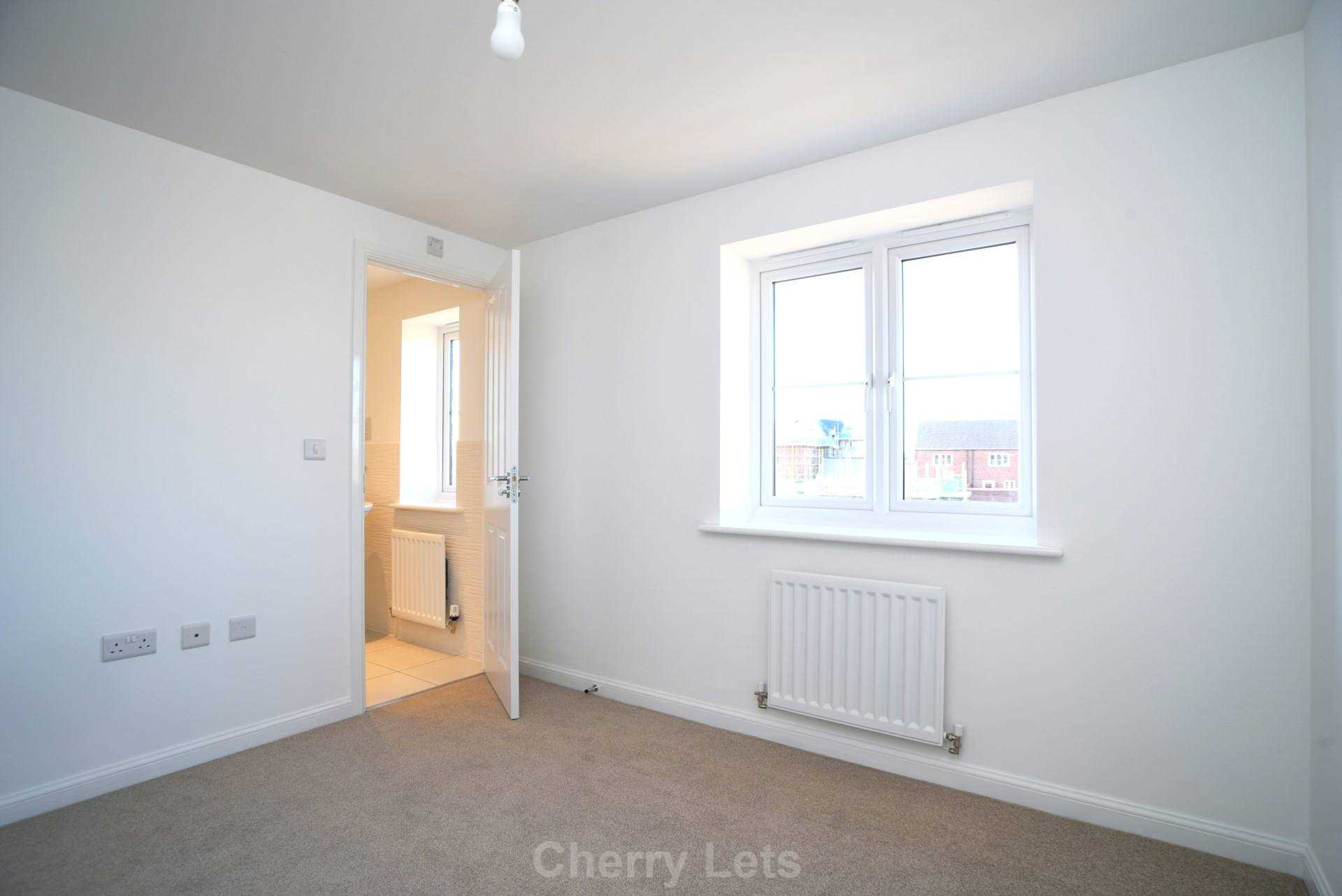 3 bed semi-detached house to rent in Songthrush Road, Longford Park, Banbury 5
